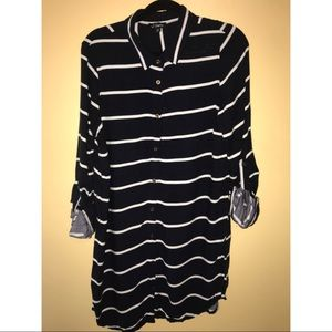 Dresses & Skirts - Xl Navy Blue White Stripped Tshirt Dress